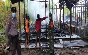 Kebakaran 2 Rumah di Samuda Diduga Sambaran Petir saat Hujan Lebat