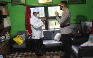 Kapolres Seruyan Silaturahmi ke Kediaman Ketua MUI