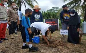 Bupati Seruyan Tanam Pohon untuk Kampanyekan Pelestarian Hutan dan Orangutan
