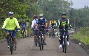 Kapolres Katingan Jalin Keakraban dengan Anggota Melalui Olahraga Sepeda