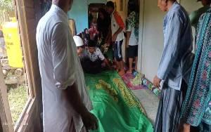 Pria 45 Tahun di Desa Hanaut Tewas Jatuh dari Pohon