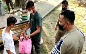 Satpol PP dan Damkar Kapuas Edukasi Warga agar Buang Sampah pada Tempatnya