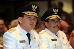 Gubernur dan Wakil Gubernur nonaktif DKI Jakarta, Basuki Tjahaja Purnama atau Ahok dan Djarot Saiful Hidayat (kanan). Ahok menjalani pemeriksaan sebagai terlapor dalam kasus penistaan agama, Senin (7/11/2016). BORNEONEWS/DOK